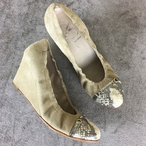 AGL Gold Leather Wedge Heels Sz 38.5 Made in Italy